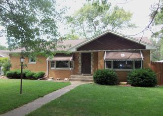 Pre Foreclosure in Alsip 60803 S KARLOV AVE - Property ID: 1053234782