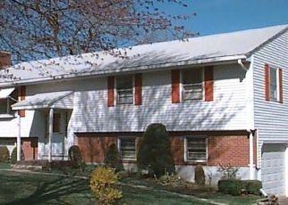 Pre Foreclosure in Windsor 06095 POQUONOCK AVE - Property ID: 1053345589