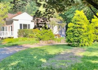 Pre Foreclosure in Fairfield 06824 REDDING RD - Property ID: 1053525594