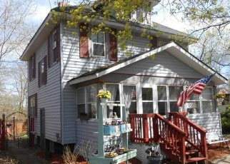 Pre Foreclosure in Liverpool 13088 MELVIN AVE - Property ID: 1053963113