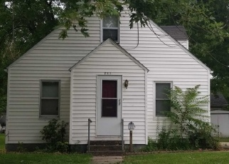 Pre Foreclosure in Carlyle 62231 16TH ST - Property ID: 1056766147