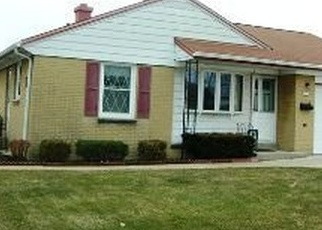 Pre Foreclosure in Milwaukee 53219 S 57TH ST - Property ID: 1056790243