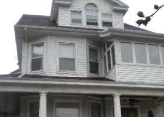 Pre Foreclosure in Woodhaven 11421 FOREST PKWY - Property ID: 1056804705