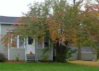 Pre Foreclosure in Walworth 14568 FOSDICK RD - Property ID: 1057429695