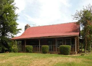 Pre Foreclosure in Shelbyville 40065 FINCHVILLE RD - Property ID: 1057457277