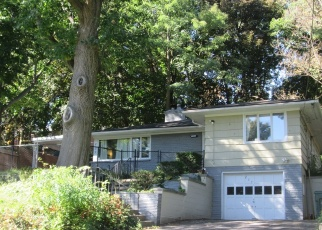 Pre Foreclosure in Rochester 14613 MAPLEWOOD AVE - Property ID: 1057970142