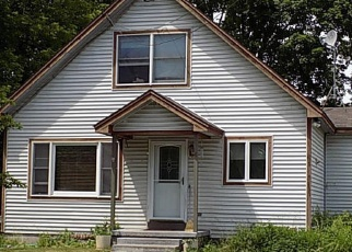 Pre Foreclosure in Queensbury 12804 LYNN AVE - Property ID: 1059951541