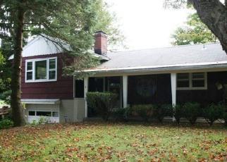Pre Foreclosure in Danbury 06811 WIXON RD - Property ID: 1060038703
