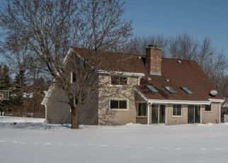Pre Foreclosure in Pewaukee 53072 WOODS EDGE DR - Property ID: 1060424105