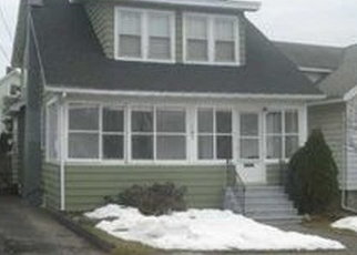 Pre Foreclosure in Syracuse 13208 MALVERNE DR - Property ID: 1061585627