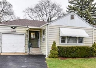 Pre Foreclosure in Villa Park 60181 HALSEY RD - Property ID: 1061685927