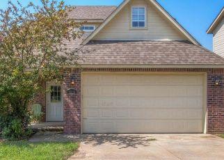 Pre Foreclosure in Jenks 74037 S CEDAR ST - Property ID: 1062324934