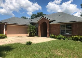 Pre Foreclosure in Jacksonville 32221 TURNING LEAF LN - Property ID: 1062437935