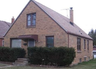Pre Foreclosure in Milwaukee 53222 W LISBON AVE - Property ID: 1063790827