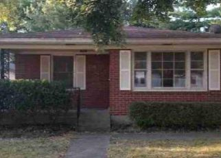 Pre Foreclosure in Louisville 40215 SOUTHGATE AVE - Property ID: 1063877999