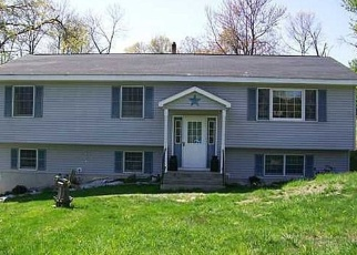 Pre Foreclosure in Wallkill 12589 COVENTRY LN - Property ID: 1064455223