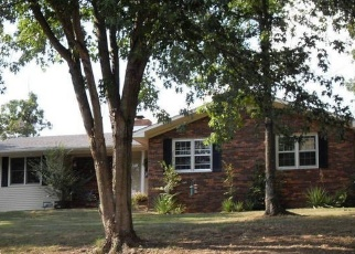 Pre Foreclosure in Greenville 42345 CARTER CREEK RD - Property ID: 1064713187