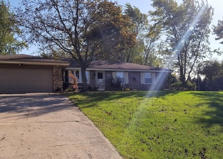 Pre Foreclosure in Mukwonago 53149 COUNTRY LN E - Property ID: 1065334685
