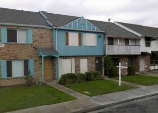 Pre Foreclosure in Stockton 95207 TOWNEHOME DR - Property ID: 1065808125