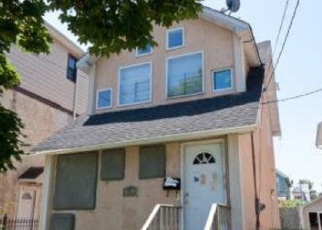 Pre Foreclosure in Flushing 11358 160TH ST - Property ID: 1065895736