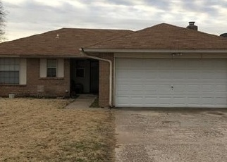 Pre Foreclosure in Mustang 73064 W JOHNATHAN WAY - Property ID: 1066172533