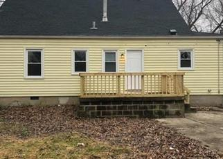 Pre Foreclosure in Louisville 40216 FEYS DR - Property ID: 1067409808