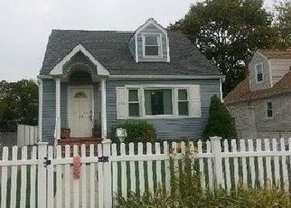 Pre Foreclosure in Hempstead 11550 ALLEN ST - Property ID: 1068363717