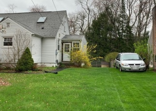Pre Foreclosure in East Longmeadow 01028 ELM ST - Property ID: 1068690885