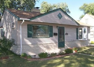 Pre Foreclosure in Milwaukee 53219 W BENNETT AVE - Property ID: 1069385499