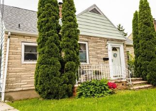 Pre Foreclosure in Buffalo 14219 KENT ST - Property ID: 1069416154