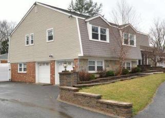 Pre Foreclosure in Riverton 08077 RIVERTON RD - Property ID: 1069513388