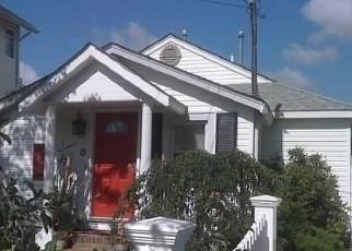 Pre Foreclosure in Massapequa 11758 RIVERDALE AVE - Property ID: 1069868590