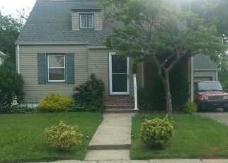 Pre Foreclosure in Valley Stream 11580 DOGWOOD RD - Property ID: 1070016177