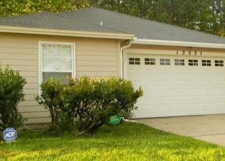 Pre Foreclosure in Jacksonville 32225 MASTIN COVE RD - Property ID: 1070187881