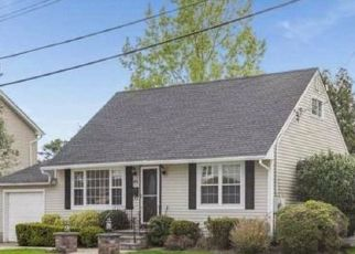 Pre Foreclosure in Hicksville 11801 VINCENT RD - Property ID: 1071281490