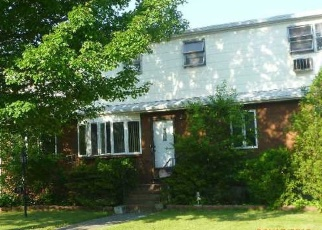 Pre Foreclosure in West Babylon 11704 LENOX RD - Property ID: 1073726708