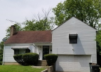 Pre Foreclosure in Dayton 45405 MAYFAIR RD - Property ID: 1076528422