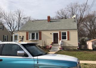 Pre Foreclosure in Essex 21221 N WOODLYNN RD - Property ID: 1077337354