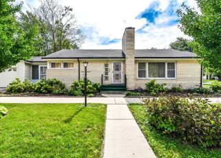 Pre Foreclosure in Chicago 60643 S LONGWOOD DR - Property ID: 1077530958