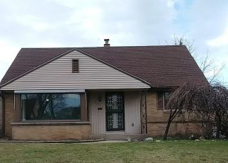 Pre Foreclosure in Milwaukee 53222 N 77TH ST - Property ID: 1078113895