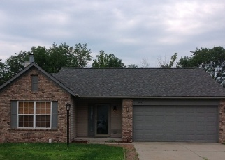 Pre Foreclosure in Indianapolis 46221 EMMERT DR - Property ID: 1078796242