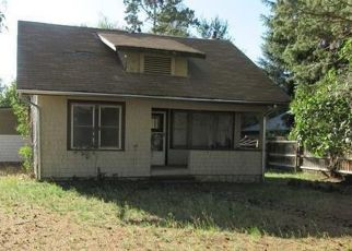 Pre Foreclosure in Bend 97702 SE 27TH ST - Property ID: 1079216263