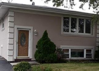 Pre Foreclosure in Justice 60458 S 79TH AVE - Property ID: 1079609120