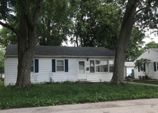 Pre Foreclosure in Gibson City 60936 WALNUT ST - Property ID: 1079905190