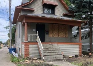 Pre Foreclosure in Forest Park 60130 CIRCLE AVE - Property ID: 1081084219
