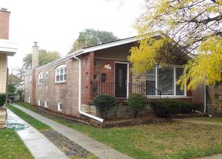 Pre Foreclosure in Chicago 60617 S EAST END AVE - Property ID: 1081204223