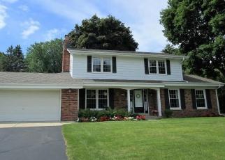 Pre Foreclosure in Milwaukee 53223 W CLOVERLEAF LN - Property ID: 1081295326