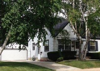 Pre Foreclosure in Milwaukee 53222 N 97TH PL - Property ID: 1082182218