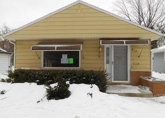 Pre Foreclosure in Milwaukee 53214 S 101ST ST - Property ID: 1082946937