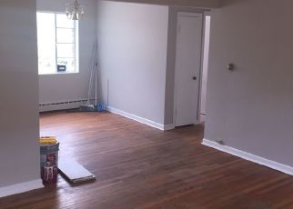 Pre Foreclosure in River Forest 60305 MONROE AVE - Property ID: 1083513225